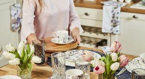 Linia Blomstra to skandynawska biel połączona z przyjemnymi odcieniami fioletu, różu i purpury. Bohaterem serii są magnolie, które w przyrodzie towarzyszą nam przez całą wiosnę, a ich pierwsze kwiaty zobaczyć można już na początku kwietnia.