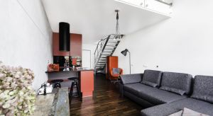 Industrialny apartament na warszawskim Mokotowie to prawdziwy raj dla wszystkich miłośników loftowych przestrzeni.