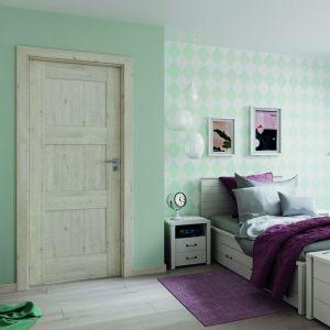 Modna sypialnia - zobacz jak urządzić klimatyczne wnętrze. Na zdjęciu drzwi Verte Premium. Fot. Porta