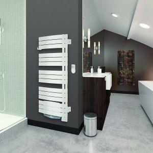 Grzejnik łazienkowy Nefertiti Mixt. Sterowany bezprzewodowo drogą radiową grzejnik posiada wiele zaawansowanych funkcji termostatu takich jak sensor otwartych okien, możliwość tworzenia indywidualnych nastaw. Fot. Atlantic Polska