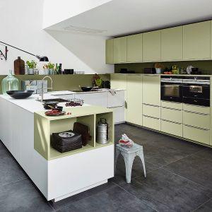 Półwysep w kuchni. Na zdjęciu: meble do kuchni dostępne w ofercie firmy Nolte. Fot. Nolte