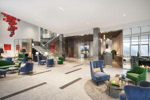 Klimatyczna  koncepcja hotelowych wnętrz pięknie komponuje się z otaczającym krajobrazem Gór Izerskich. Projekt i wizualizacje: Katarzyna Kraszewska