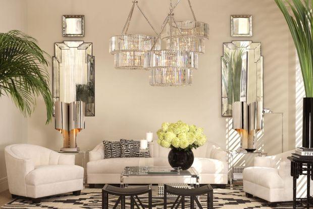 Światło we wnętrzu wpływa na sposób, w jaki odbieramy przestrzeń. Buduje nastrój, wydobywa piękno z mebli i tkanin, którymi jest ono urządzone. Od oświetlenia dużo zależy, dlatego tak ważne jest odpowiednie jego rozplanowanie i wybór lamp.
