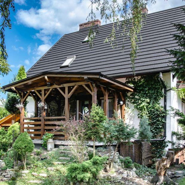 Materiał na dach: gont drewniany i blaszany