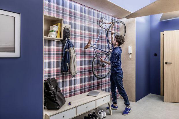 Ściany w przedpokoju - praktyczny materiał na lata