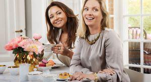 W ten wyjątkowy dzień zrób sobie wspaniały prezent! Spotkanie z przyjaciółką, wspólne zakupy, obiad i dobra kawa pozwolą każdej z nas oderwać się na moment od codzienności.