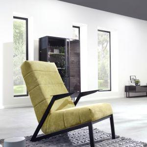 """W fotelu """"Agat"""" (Motiv Home) zastosowano nietypową formę podstawy. Fot. Motiv Home"""