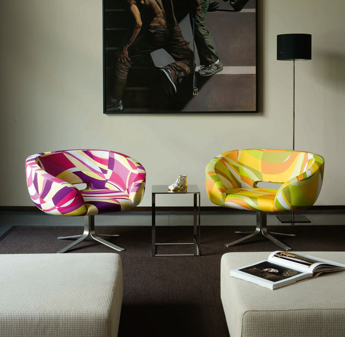 Fotele z serii Rivedroite firmy Cappellini. Projekt Patrick Norguet. Fot. Cappellini
