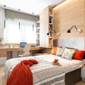 Urządzona przytulnie sypialnia jest prawdziwym azylem. Projekt: Agnieszka Morawiec. Fot. Pion Poziom Fotografia Wnętrz