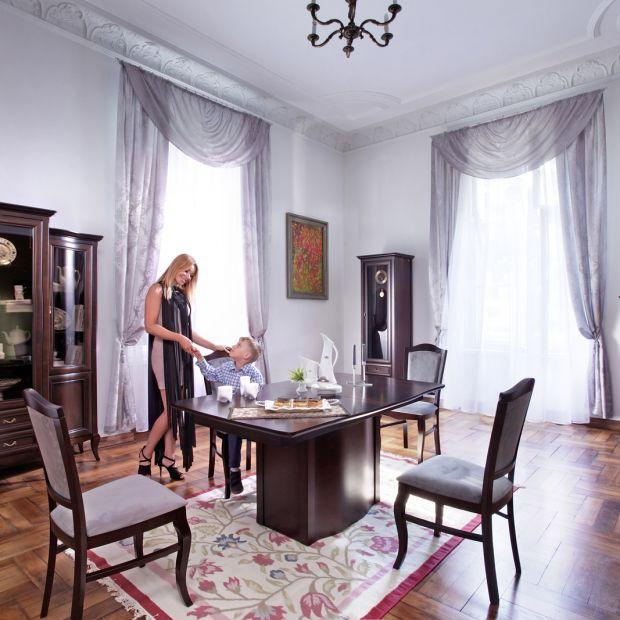 Meble do salonu i jadalni - klasyczne kolekcje z bogactwem detali