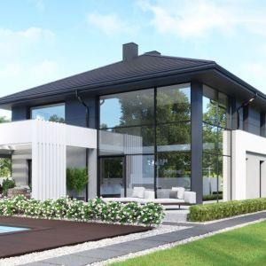 Domy energooszczędne oraz pasywne tworzone są z myślą o minimalizowaniu strat ciepła. Ważną rolę w ich projekcie stanowią okna. Projekt domu: Homekoncept. Fot. mat. pras. OknoPlus