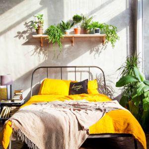 Wiosenny powiew świeżości w sypialni. Fot. Polifarb Cieszy, marka CIQ4