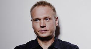 Jego pracownia zrealizowała od 2004 roku ponad trzy tysiące projektów wnętrz. Pracuje głównie dla restauracji, sklepów i innych obiektów komercyjnych. Architekt Dariusz Gocławski, tegoroczny prelegent Forum Branży Łazienkowej i Kuchennej mówi