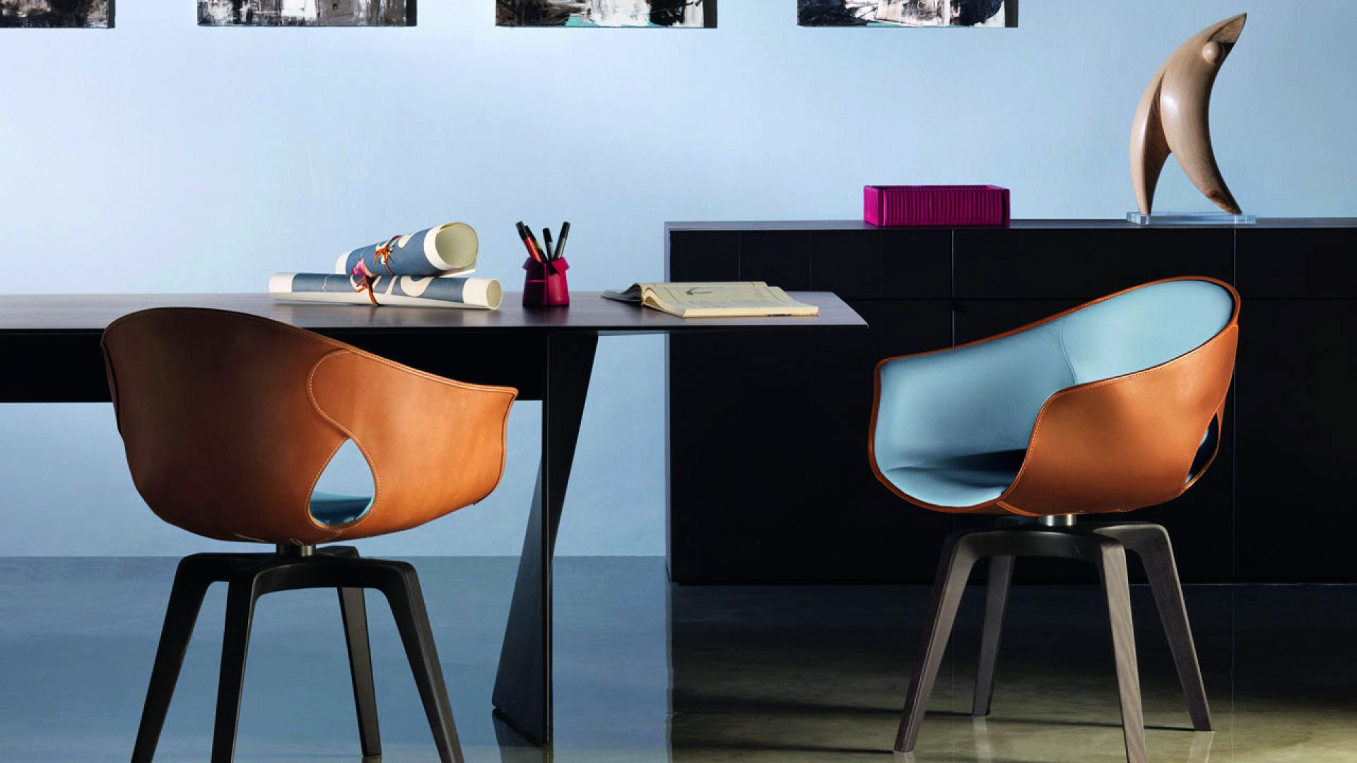 Krzesła z kolekcji Ginger. Fot. Poltrona Frau
