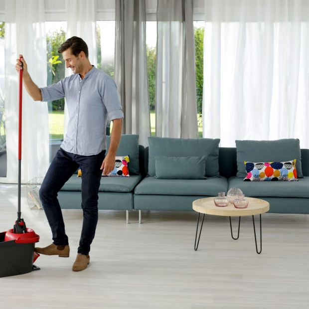 Łatwe i szybkie sprzątanie - mop płaski obrotowy