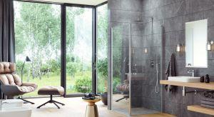 Doskonale sprawdzą się zarówno w małej łazience, jak i w przestronnym salonie kąpielowym. Są dyskretne, prawie niewidoczne i łatwe do utrzymania w czystości. Kabiny prysznicowe z serii Mazo to komfort i wygoda na co dzień.