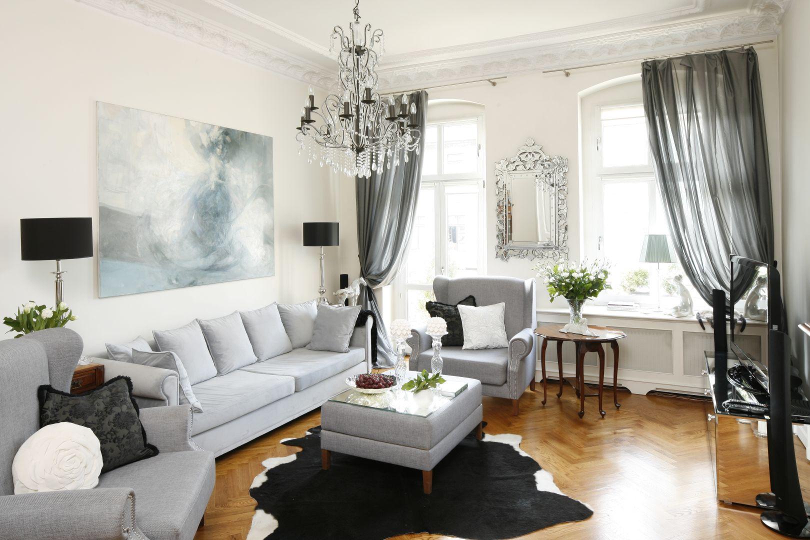 Salon w klasycznym stylu. Projekt: Iwona Kurkowska. Fot. Bartosz Jarosz