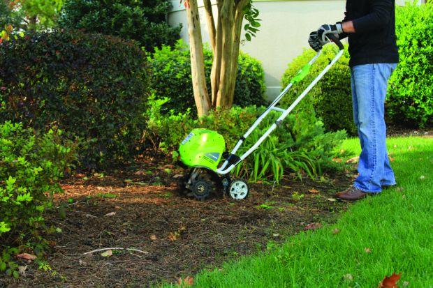 7 prac ogrodowych niezbędnych na początku wiosny