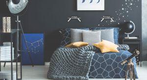Sypialnia, w której dobrze będziemy się czuli powinna uwzględniać nasz charakter, zamiłowania, ale i potrzeby – jak na przykład odpowiednie oświetlenie dla moli książkowych czy nocny stoliczek dla tych, którzy muszą mieć pod ręką telefon
