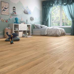 Drewniana podłoga warstwowa Dab Classic 1R lakier mat szczotkowany. Fot. Baltic Wood