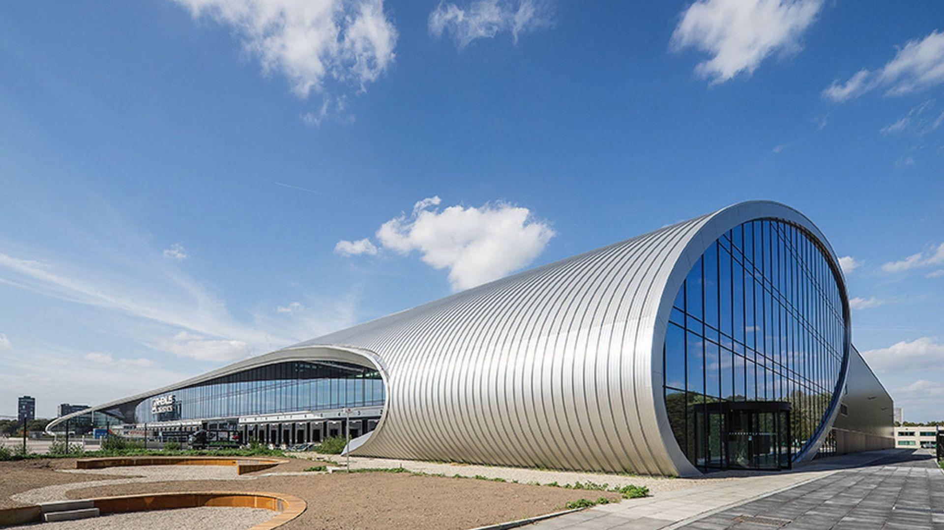 Futurystyczne projekty architektoniczne -  DC New Logic III w Tilburg w Holandii  Fot. Jan Willem Schouten Jaws Media