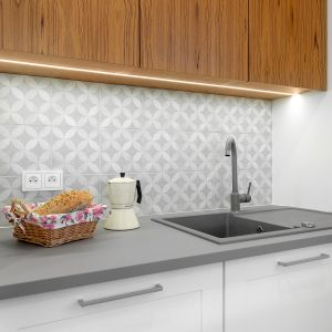 Oświetlenie w kuchni: profile Glax do taśm LED . Fot. GTV