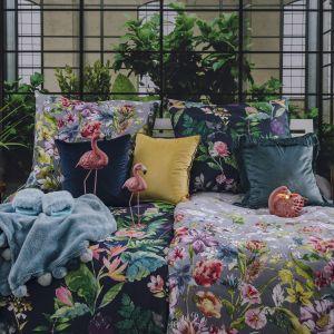Pościel Mollow udekorowana motywami tropikalnych kwiatów; z bawełny o satynowym splocie z delikatnym połyskiem. Fot. Home&You
