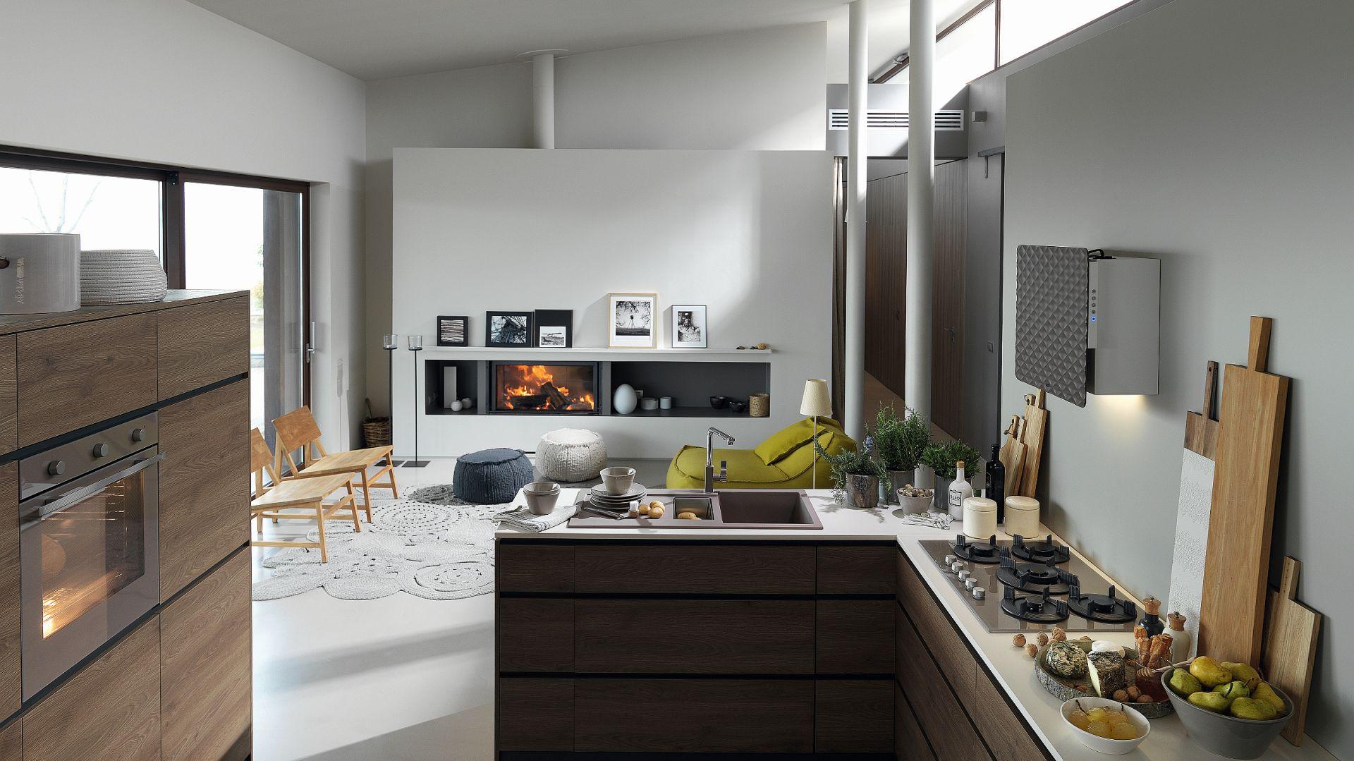 IMPRESS - płaski okap ścienny świetnie integruje się z przestrzenią kuchni. Przedni panel jest uchylny, wykonany z wtłaczanego w geometryczny wzór poliuretanu w sześciu kolorach wykończenia do wyboru. Fot. Franke