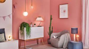 Wybranie odpowiedniej lampy jest wyzwaniem? Mieszkanie w stylu miejskiej dżungli, nowoczesnym czy skandynawskim – każde wymaga dopasowanego oświetlenia. Podpowiadamy czym się kierować, by wszystko do siebie pasowało.