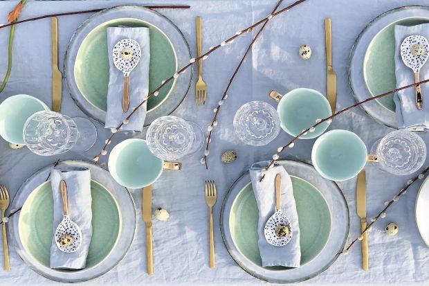 Aranżacja wiosennego stołu