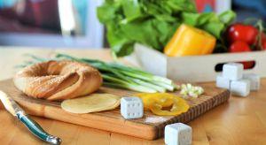By uniknąć stołowej monotonii, nawet tak popularny i prosty w swojej formie posiłek jak jajko, warto serwować w wyjątkowy sposób.