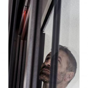Bezpieczne okna - system Guard REHAU. Fot. REHAU