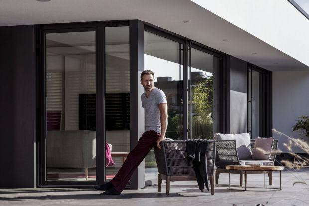 Bezpieczne okna: wybierz skuteczną ochronę swojego domu