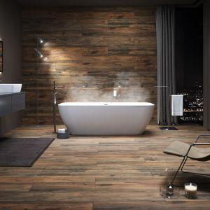 Linia Rustic z kolekcji drewnopodobnych płytek gresowych Grand Wood pozwoli uzyskać efekt zbliżony do klasycznej, drewnianej podłogi wprost z rustykalnego wnętrza; format 20x180 cm. Fot. Opoczno