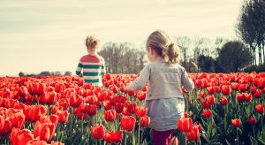 Wiosna to okres wielkich przemian – nie tylko w naturze. Coraz dłuższe i cieplejsze dni budzą w nas chęć do życia, ale również pragnienie zmian. Jest to więc idealny moment, by pomyśleć o sobie i wprowadzić w swoim życiu małą rewolucję.
