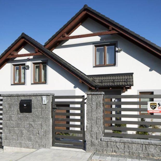 Ogrodzenie domu - schowaj się przed hałasem i sąsiadami