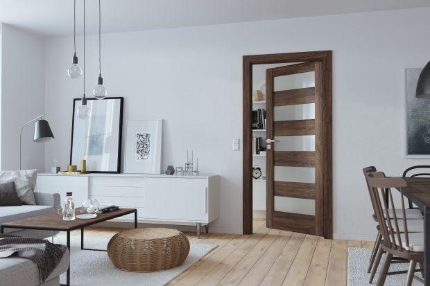Drzwi wewnętrzne - klasyczne kolory drewna ozdobią wnętrza