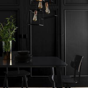 Malowanie mebli - modne czarne barwy. Fot. Liberon