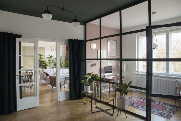 """Urządzone w unikatowym, eklektycznym stylumieszkanie Oli i Adriana zwyciężyło w konkursie""""O!Twórz Mieszkanie"""", organizowanym przez markę Porta Drzwi. Najpiękniejsze mieszkanie wyłoniono z ponad 1300 zgłoszonych wnętrz."""