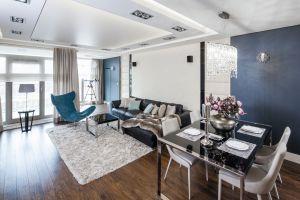 Wnętrze miało być urządzony nowocześnie, a jednocześnie bardzo elegancko, w stylu ekskluzywnych londyńskich apartamentów. Projekt: Agnieszka Hajdas-Obajtek. Fot. Bartosz Jarosz