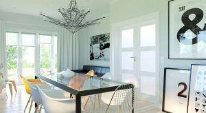 Umiejętnie dobrane elementy wyposażenia odmienią domową przestrzeń, nadając jej niepowtarzalny charakter i energię. Dzięki przemyślanej kolorystyce, starannemu dopasowaniu materiałów, a także odpowiednim drzwiom, powstaną wyjątkowe wnętrza.