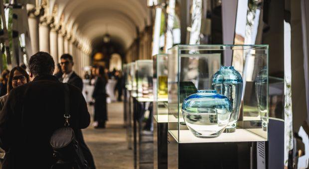 Instalacja inspirowana szkłem Krosno na Fuorisalone w Mediolanie
