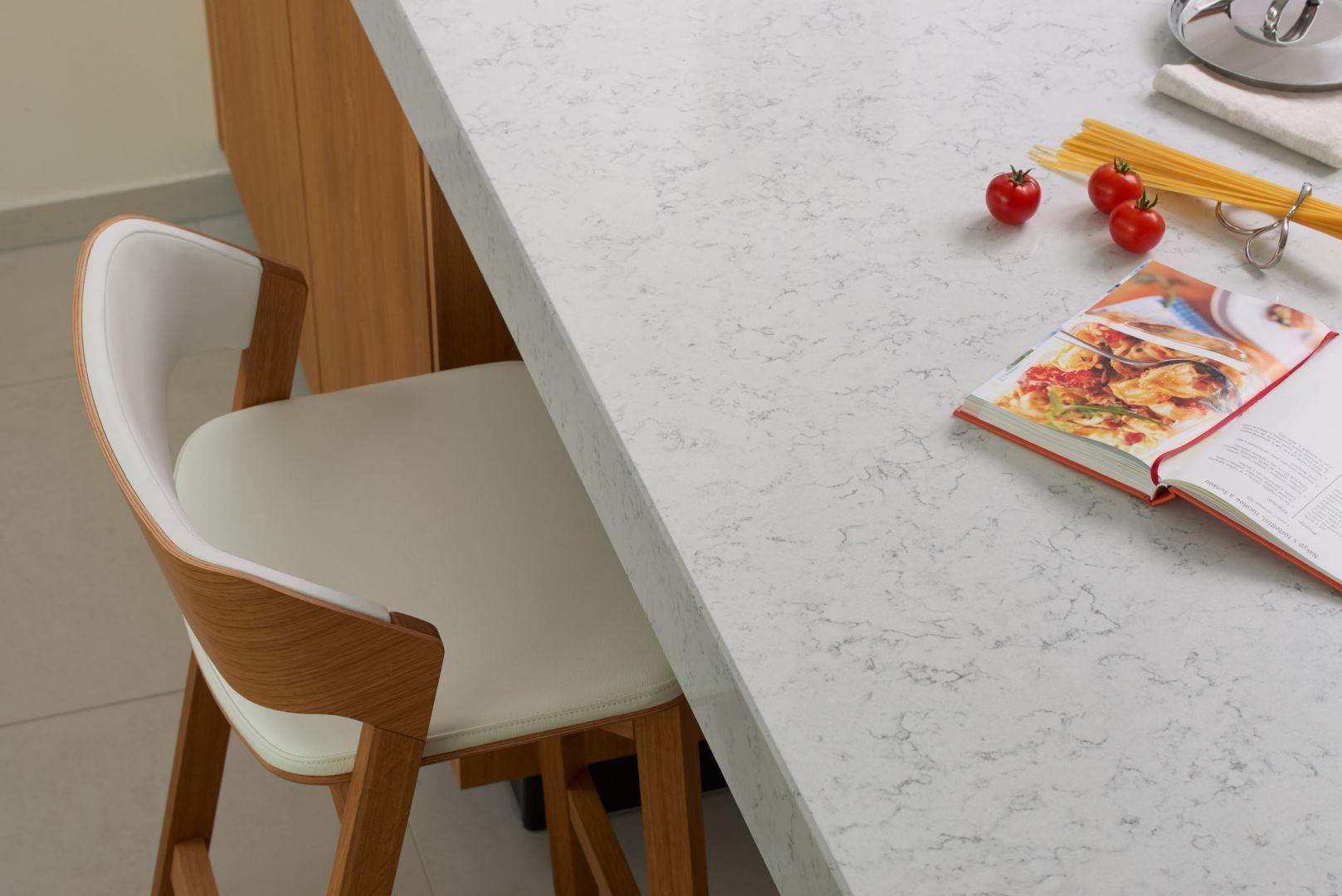 Blat z konglomeratu Noble Carrara. Fot. TechniStone