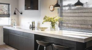 W małej kuchni, każdy centymetr powierzchni roboczej ma znaczenie. Dlatego warto zdecydować się na płytę grzewczą i wbudowane sprzęty kuchenne. Ponadto, warto połączyć blat kuchenny z zlewozmywakiem wykonanym z konglomeratu kwarcytowego.