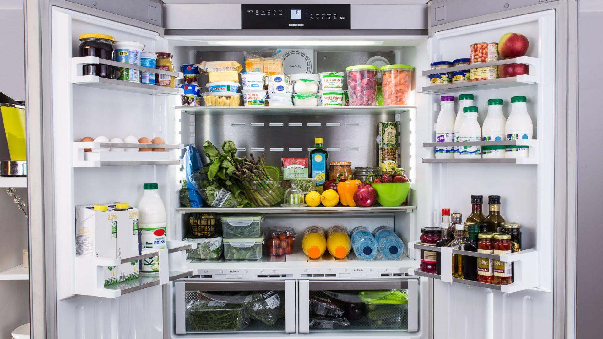 W odpowiednim przechowywaniu i mrożeniu produktów z pewnością pomoże chłodziarko-zamrażarka z linii French Door. Fot. Liebherr