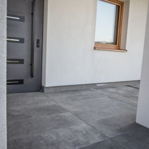 Płytki na taras. Nowa kolekcja gresu z efektem betonu. Fot. Libet