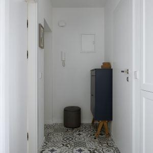 Przedpokój. Projekt: Biuro architektoniczne Madama. Fot.  Yassen Hristov