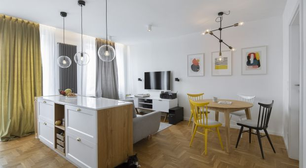 Piękny apartament. Zobacz metamorfozę mieszkania w warszawskiej kamienicy