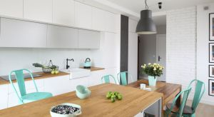 W aranżacji kuchni zdecydowanie preferujemy jasne kolory - na frontach mebli, blatach i ścianach. Dzięki temu najważniejsze dla wielu pomieszczenie w domu zawsze jest pełne energii i emanuje świeżością.