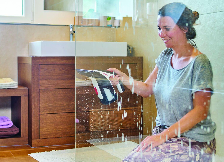Sprytne sposoby na mycie okien. Fot. Bosch